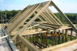 Каковы преимущества чердачной крыши?